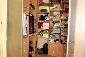 Шкаф-кладовка в квартире